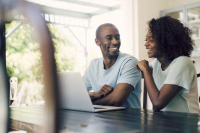 Como contratar um seguro online barato? Veja estas 5 dicas!