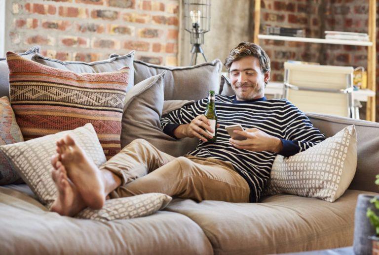 Seguro pelo celular: saiba como contratar um seguro sem sair de casa