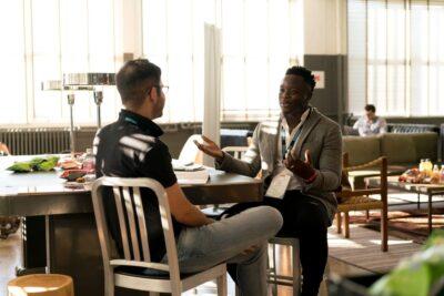 Saiba o que é um programa de mentoria e como implementá-lo na empresa